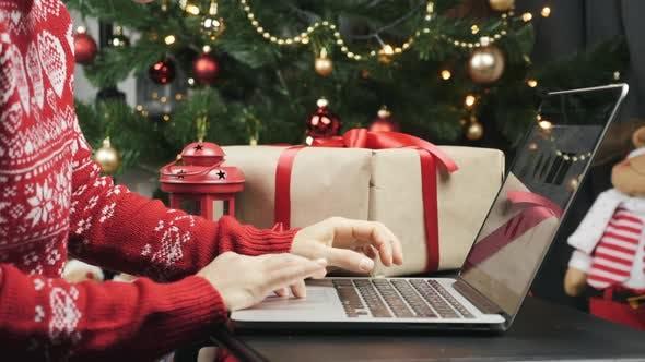 Thumbnail for Online Christmas Shopping