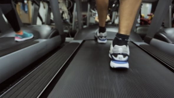 Cover Image for Move Motion Athlete On a Treadmill At The Gym