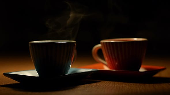 Zwei Tassen Heißer Kaffee 1