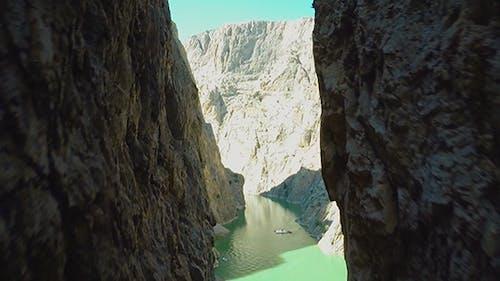 Canyon 8