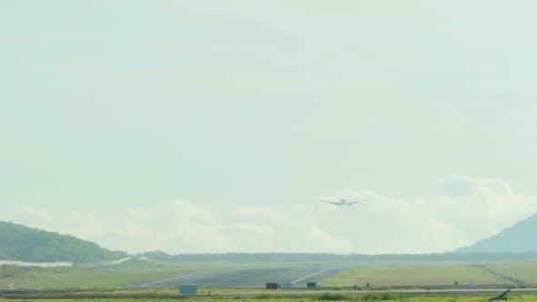 Thumbnail for Plane Approaching