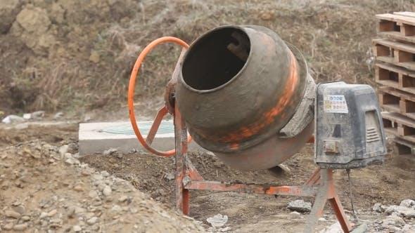 Working Cement Mixer