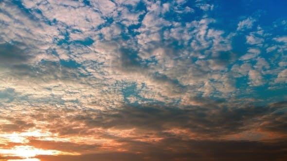 Thumbnail for Very Beautiful Sunset With Fast Running Clouds