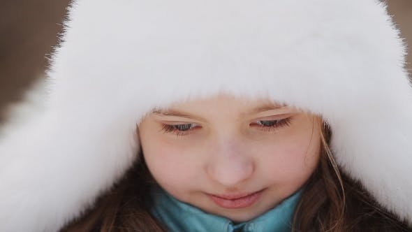 Cover Image for Little Girl In Winter Hat
