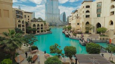 Dubai Center Burj Khalifa Park