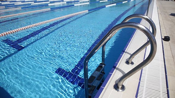 Cover Image for Water In A Swimming Pool