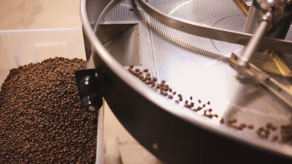 Thumbnail for Kaffeebohnen nach dem Rösten.