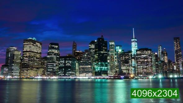 Thumbnail for Lichter der Wolkenkratzer leuchten auf Manhattan