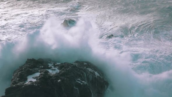 Thumbnail for Ocean Waves Breaking On Rocks