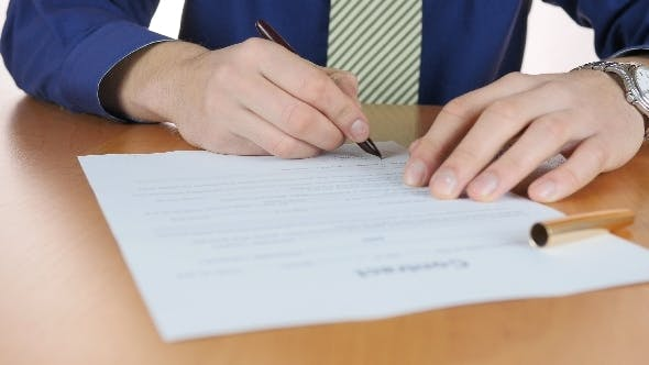 Signature Business Contract In Office