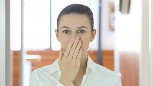 Cover Image for Amazed by Surprise Woman, Indoor