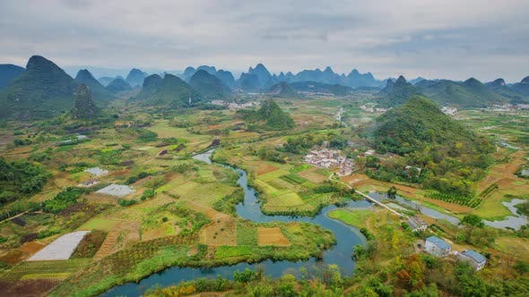 Time Lapse of the incredible landscape along the Li River in China