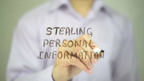 Persönliche Informationen stehlen