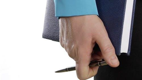 Hand der businesswoman zeigt Ihr nervös Spannung