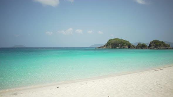 Thumbnail for Hintergrund Platte von Ein leerer Strand auf dem karibischen Ozean für grünen Bildschirm