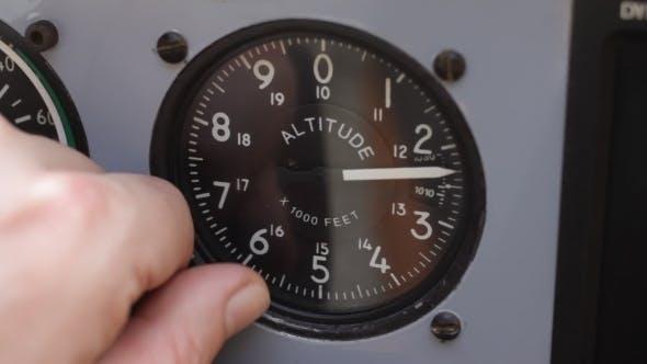 Thumbnail for Setting The Altimeter