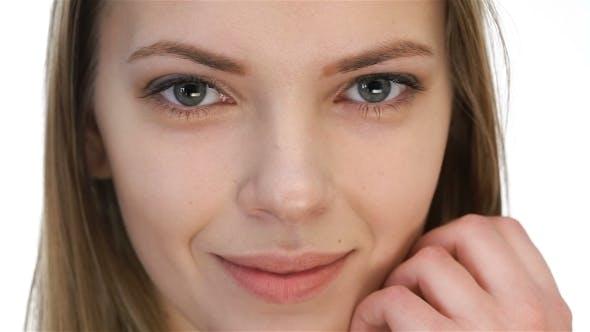 Thumbnail for Schöne Modell Mädchen mit Schönheit Make-up