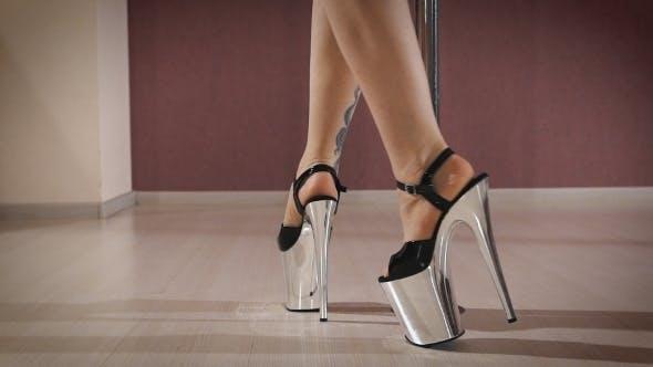 Thumbnail for Tänzerin auf der Pole