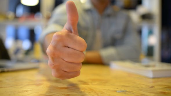 Cover Image for Thumbs Up Gesture