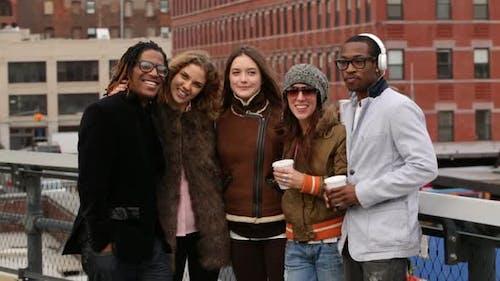 Porträt von Freunden in New York City