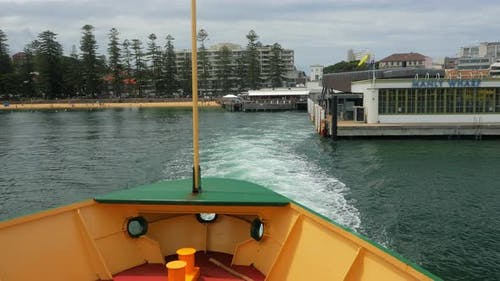 Ferry Departs Manly Wharf