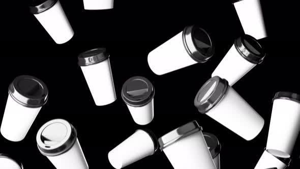 Thumbnail for Fallende Einweg-Getränkebecher auf schwarzem Hintergrund