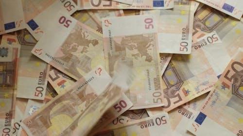 Euro Geld. Euro-Banknoten fallen