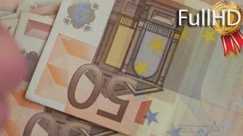 Hände zählen 50 Euro Geld
