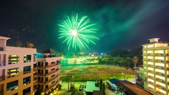 Cover Image for 2016 New Year's Fireworks Over The City Phuket