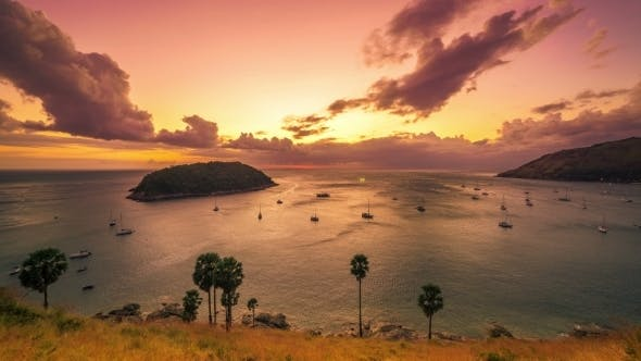 Cover Image for Sunset On  The Sea At Phuket Island, Thailand