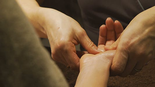 Thumbnail for Oily Hands Massage