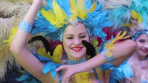 Mädchen im Karneval Kostüm