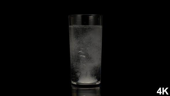 Pill Dissolve In Water