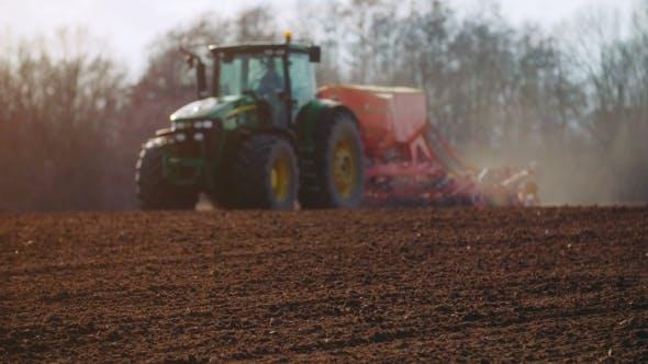 Thumbnail for Ackerschlepper Aussaat und Anbau Feld