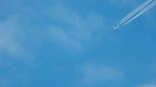 Jumbo At Flight Level