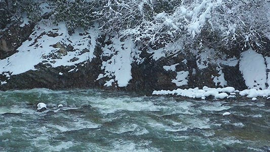 Cover Image for Winter River