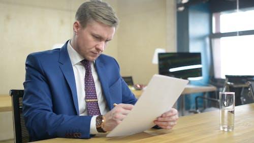 Analyzing Business Finance