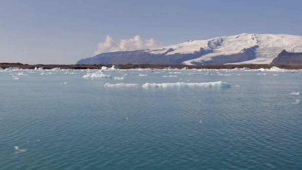 Thumbnail for Camera Moves Across Jokulsarlon To Vatnajokull Glacier Iceland