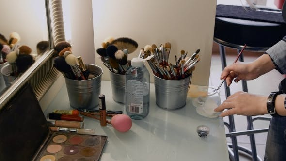 Thumbnail for Professional Brushes And Powder Boxes