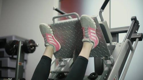 der Füße auf dem Simulator
