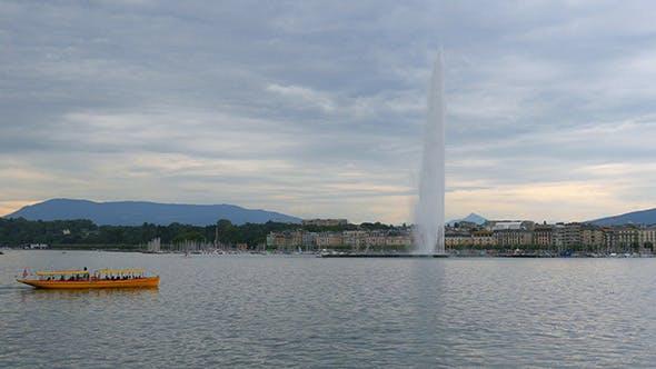 Thumbnail for Jet d'eau Fountain at Geneva Lake in Switzerland