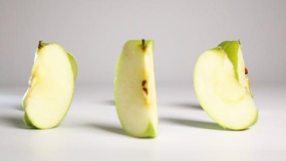 Thumbnail for Green Apple Break On Slices