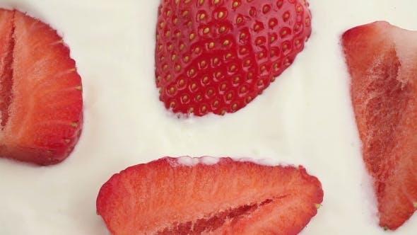 Erdbeeren In Creme