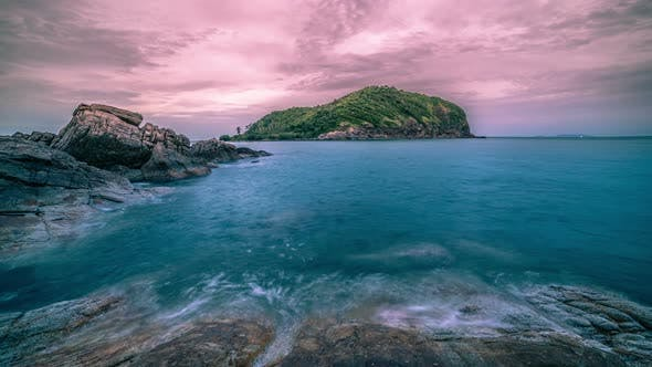 Cover Image for Soft and Slow Wave and Rocky Seascape at the Sunset in Phangan, Thailand