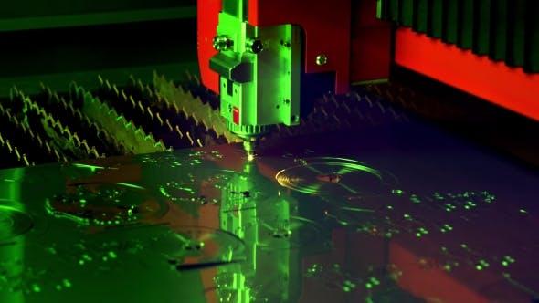 Thumbnail for CNC Laserschneiden von Metall, moderne Industrietechnik.