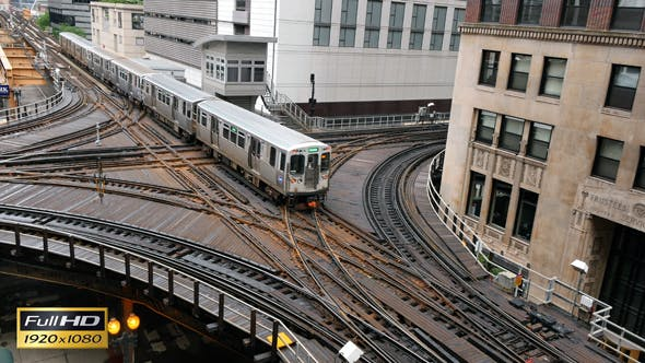 Cover Image for Elevated Metro in Chicago Loop Financial District