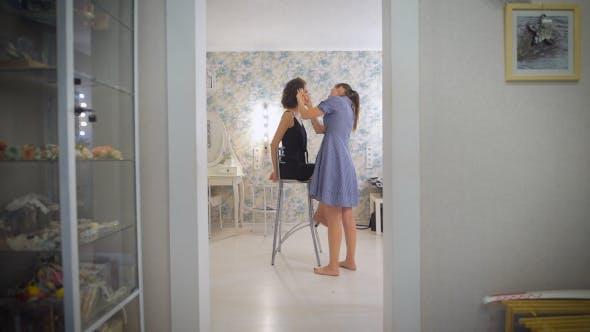 Thumbnail for Das Bild ist fast fertig, setzen Sie den letzten Schliff zu The Beauty Studio.
