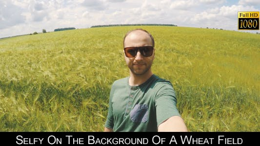 Cover Image for Selfy On The Background Of A Wheat Field 5