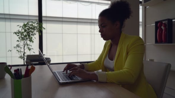 Thumbnail for Business Woman Works In Modern Office.