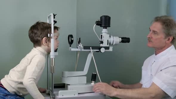 Optometrist Check Child Eye